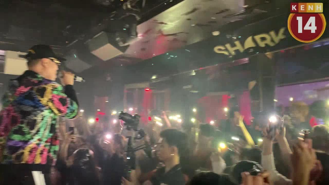 Clip LK hát live Im Lặng