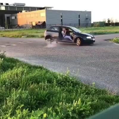 Đây là cách dễ nhất để bạn có thể học Drift xe