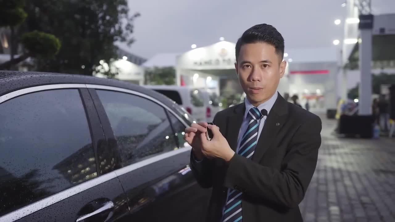 Cách xử lý khi chìa khóa thông minh hết pin và cách tiết kiệm pin chìa khóa xe Mercedes-Benz