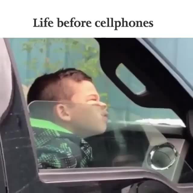 Cách giải trí đơn giản trong ô tô khi chưa có điện thoại thông minh