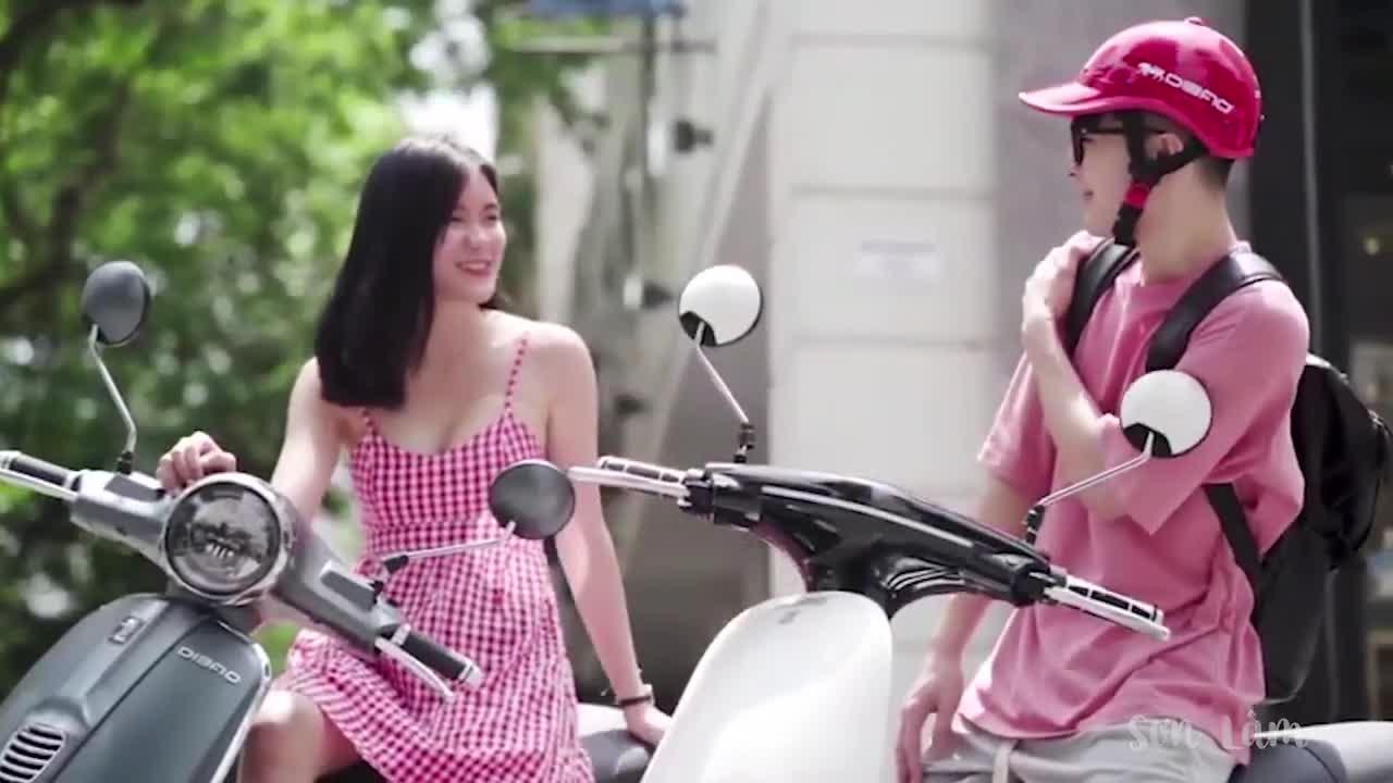 """""""Đa sắc màu, đậm cá tính"""" bên xe điện Dibao cùng dàn Hotteen Việt"""
