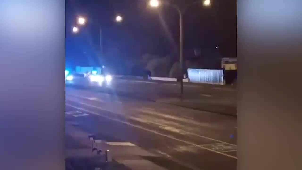 """Cuộc truy đuổi """"tốc độ thấp"""" vụ cướp ô tô của đội cảnh sát tuần tra"""