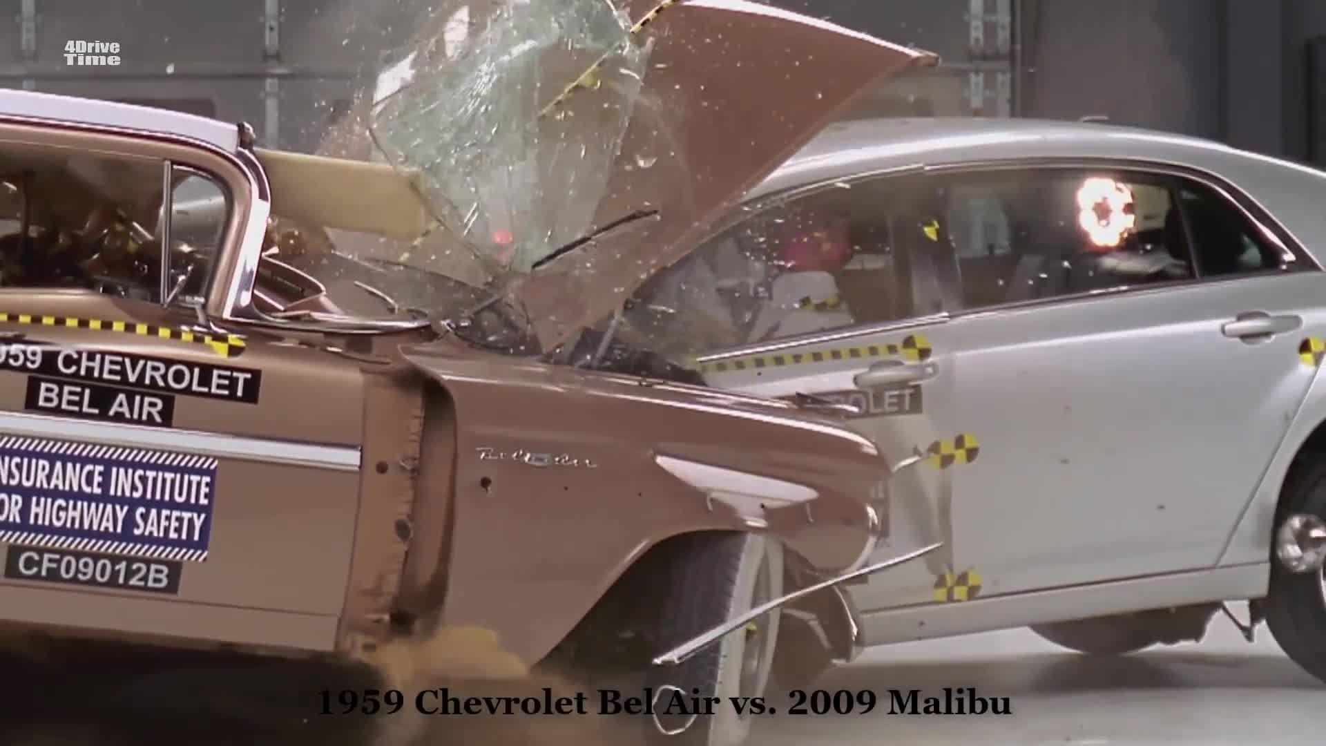 Clip so sánh độ an toàn giữa mẫu xe hiện đại và xe cổ