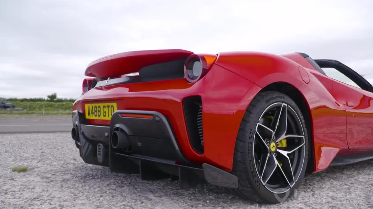 Tỉ thí tốc độ Ferrari 488 Pista vs McLaren 600LT