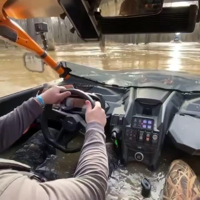 Thử nghiệm chạy xe lội nước và cái kết