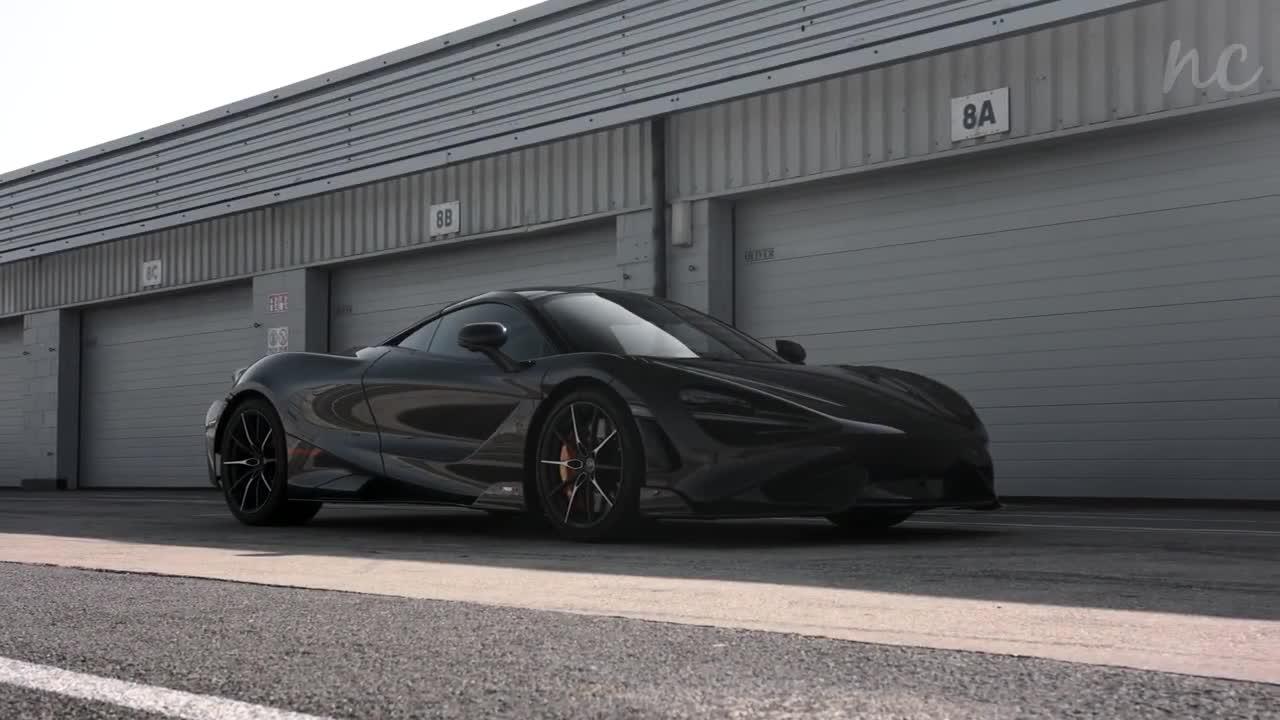 Chiêm ngưỡng McLaren 765LT đỉnh cao với hàng loạt chi tiết carbon