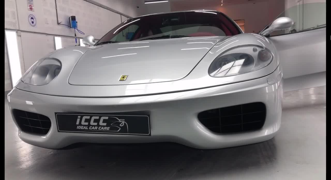 Ferrari 10 năm tuổi long lanh như mới sau khi qua bàn tay thợ phục dựng