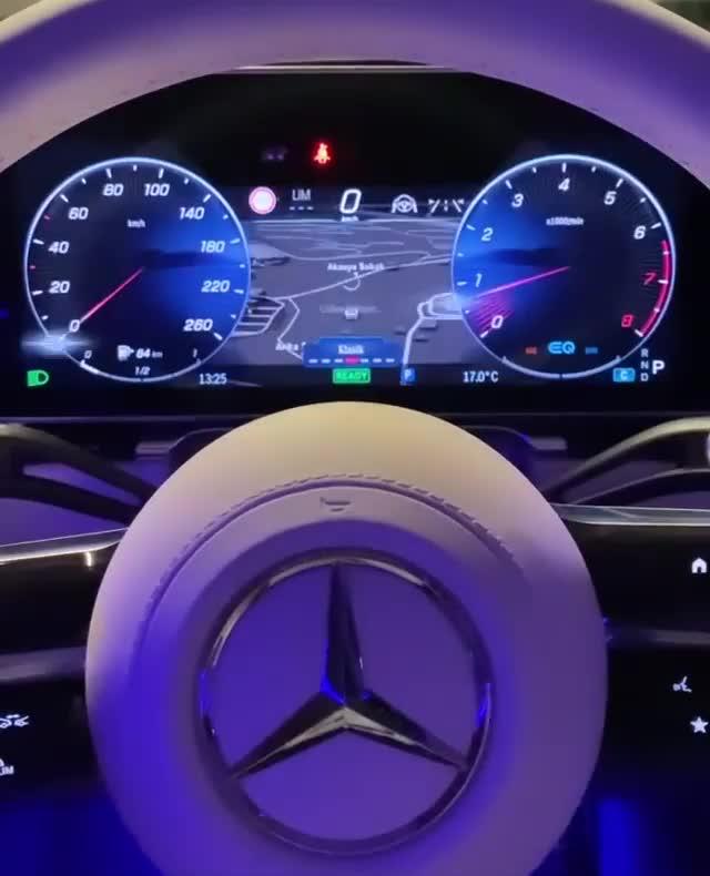Đồng hồ sau vô-lăng của Mercedes-Benz S-Class đẹp thế nào?