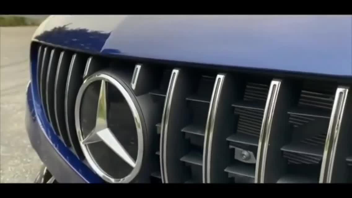 Khôi phục chiếc Mercedes-Benz C-Class coupe sau tai nạn nát vỏ về như mới