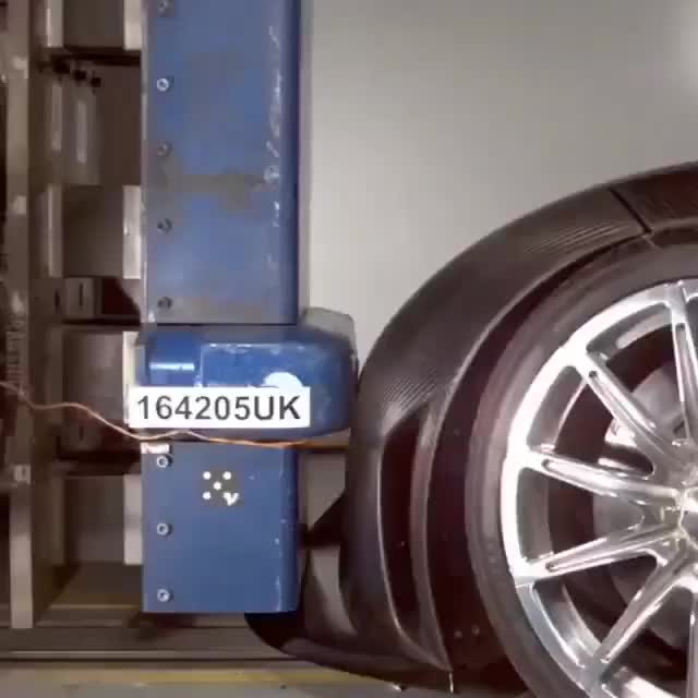 Các mẫu xe trước khi sản xuất sẽ gặp những bài kiểm tra an toàn thế nào?