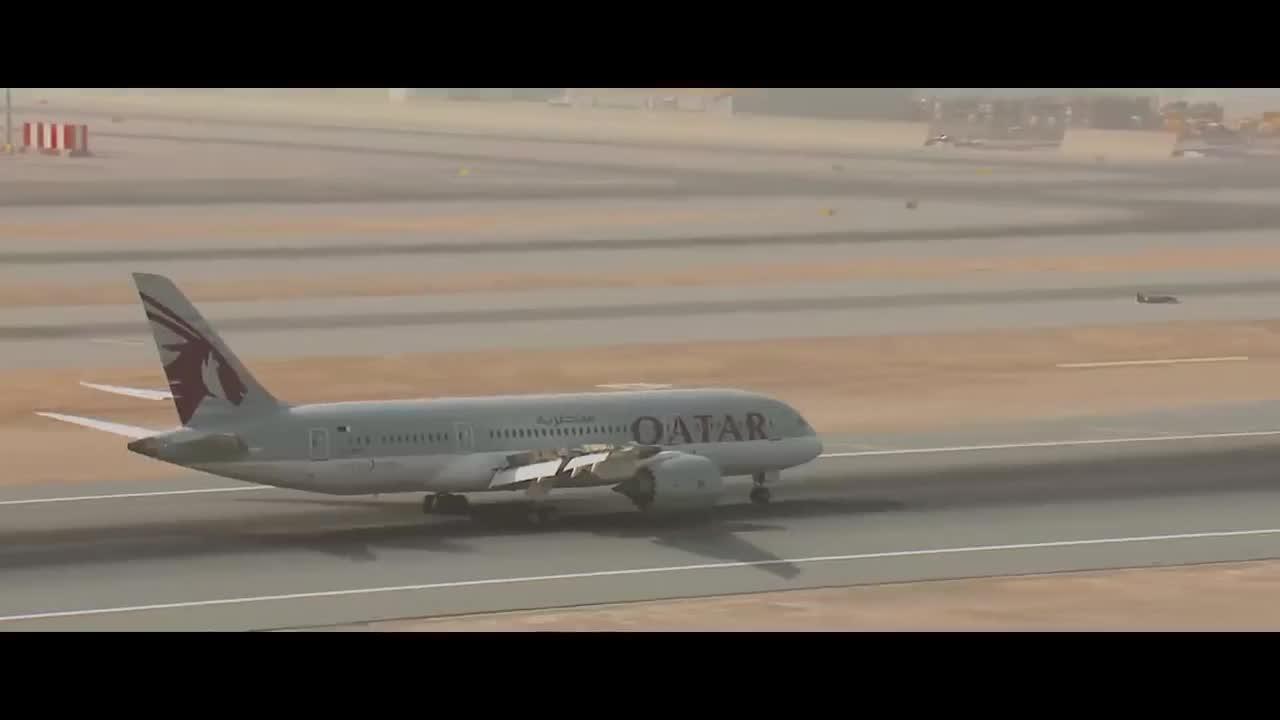 Xe công thức 1 đua cùng máy bay Boeing, ai là người chiến thắng?