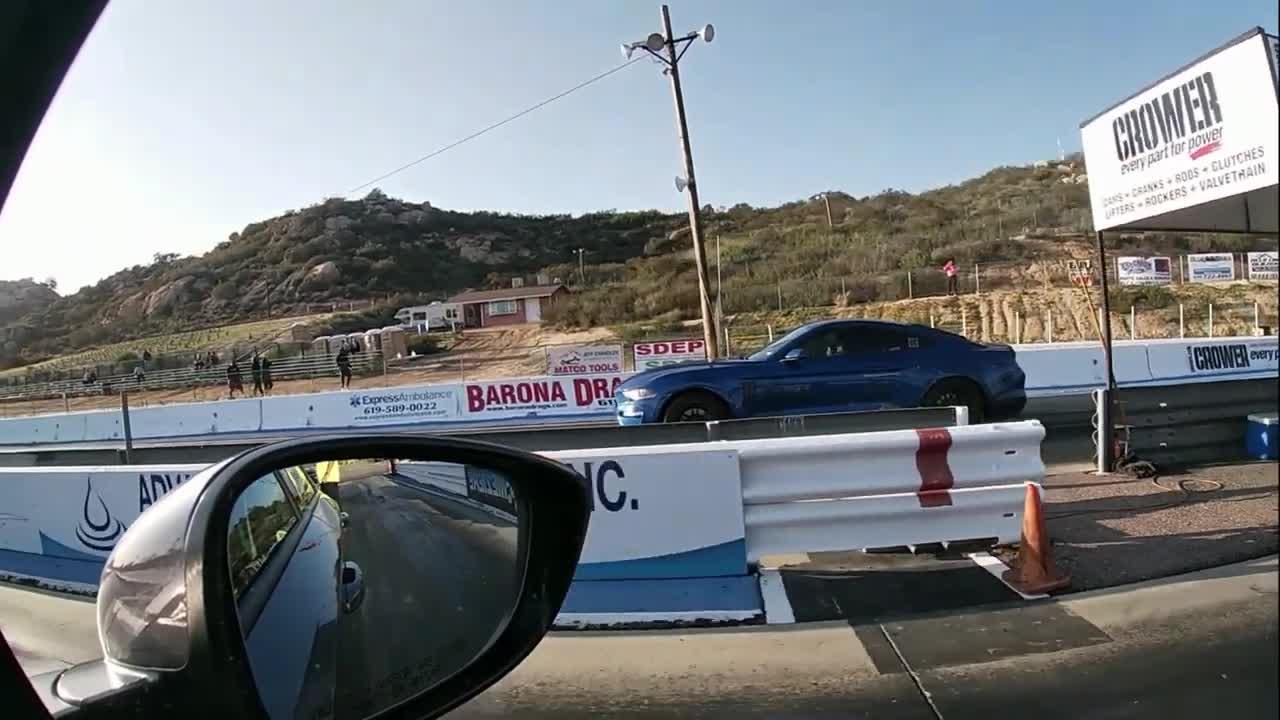Honda Accord Sport vs Ford EcoBoost Mustang: Cuộc đua ngang tài tới bất ngờ