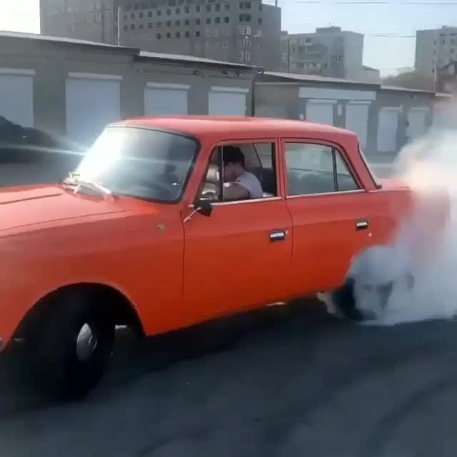 Cố gắng đốt lốp xe cổ và hậu quả tới ngay tức khắc