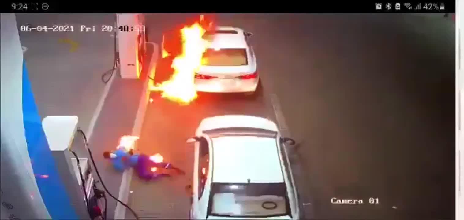 Hy hữu: Máy thanh toán thẻ phát nổ dẫn tới vụ cháy ở trạm xăng