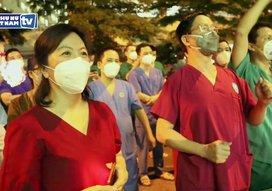 Đêm Trung thu xúc động ở Bệnh viện Dã chiến điều trị Covid-19