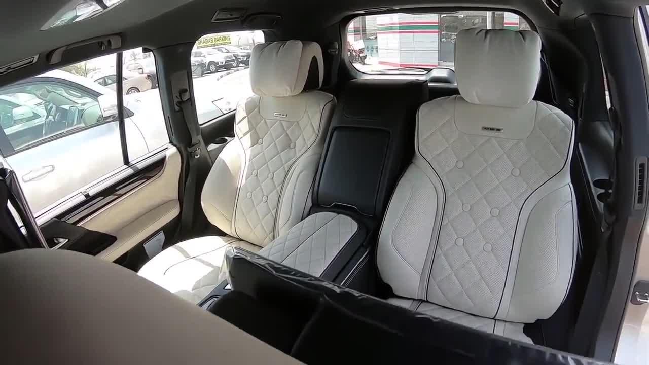 Khám phá nội thất 4 chỗ ngồi trên Lexus LX570 MBS của Trung Đông