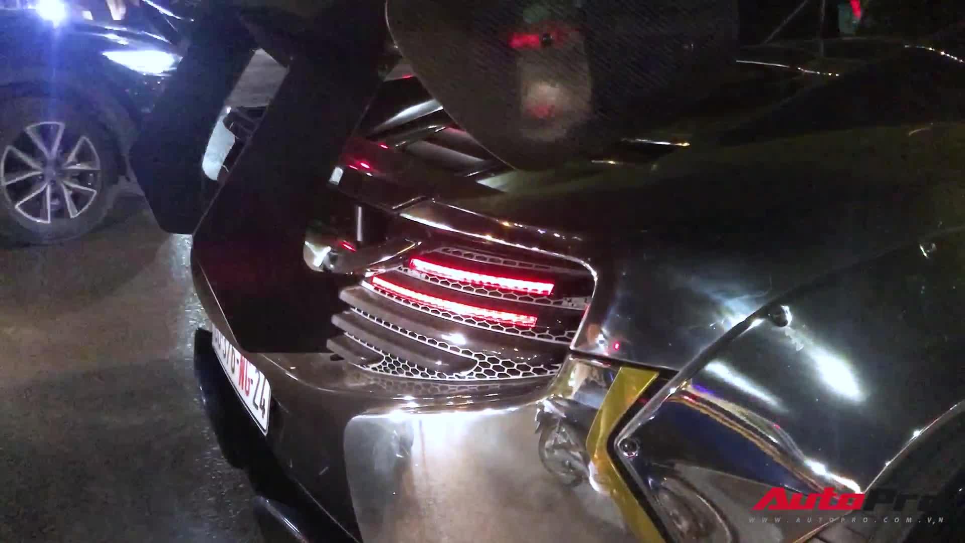 Chiếc McLaren 650S độ Liberty Walk lăn bánh trên phố Hà Nội