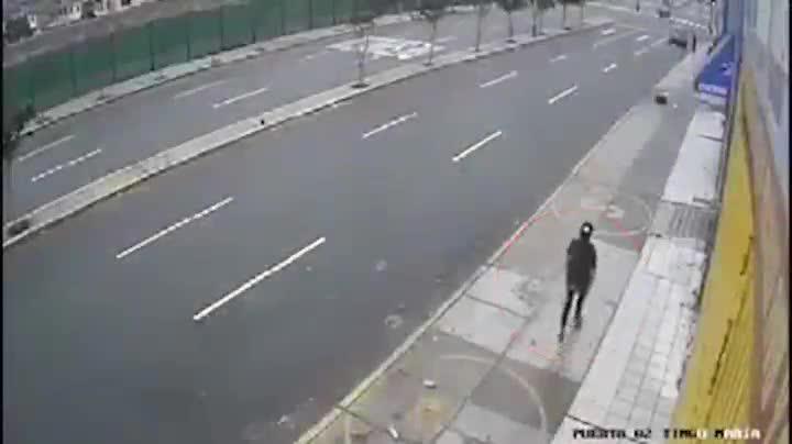 Cú tông xe hất văng người, nạn nhân trông thấy từ xa nhưng không thể thoát