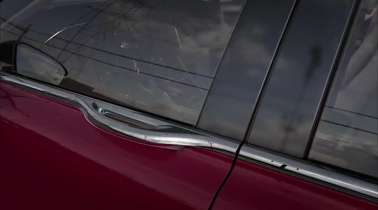 Cách mở cửa dị thường trên xe Lincoln