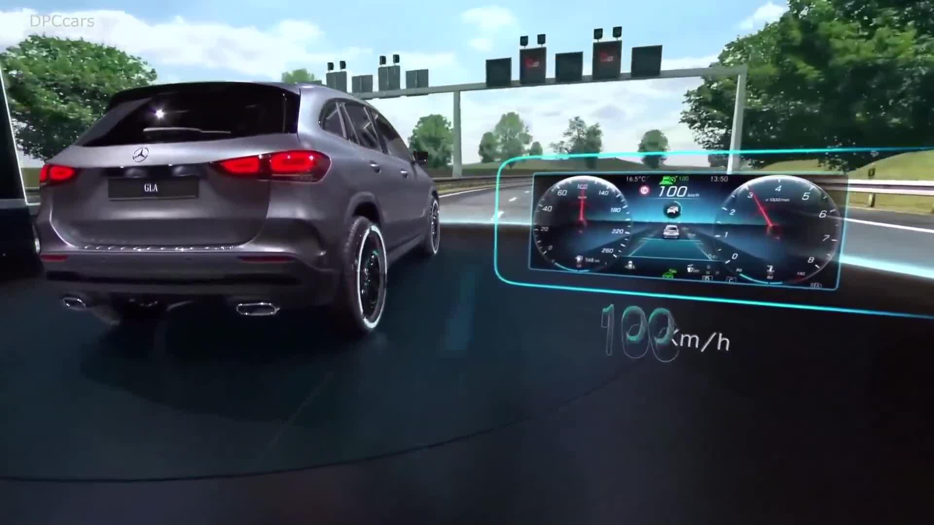 Ra mắt Mercedes-Benz GLA 2021