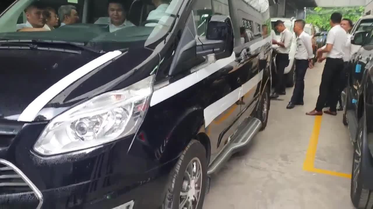 Thử nghiệm ngồi trong Ford Tourneo 2019 tại Việt Nam