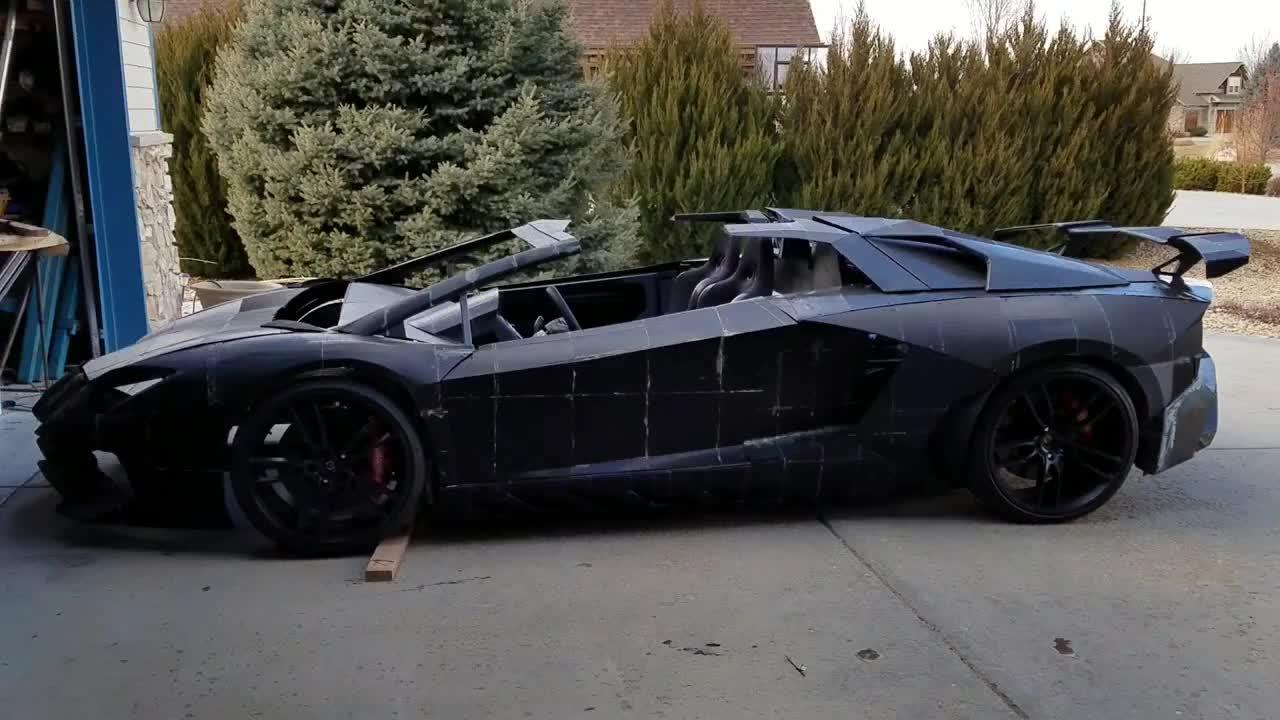 2 cha con tự in 3D Lamborghini Aventador với động cơ Corvette