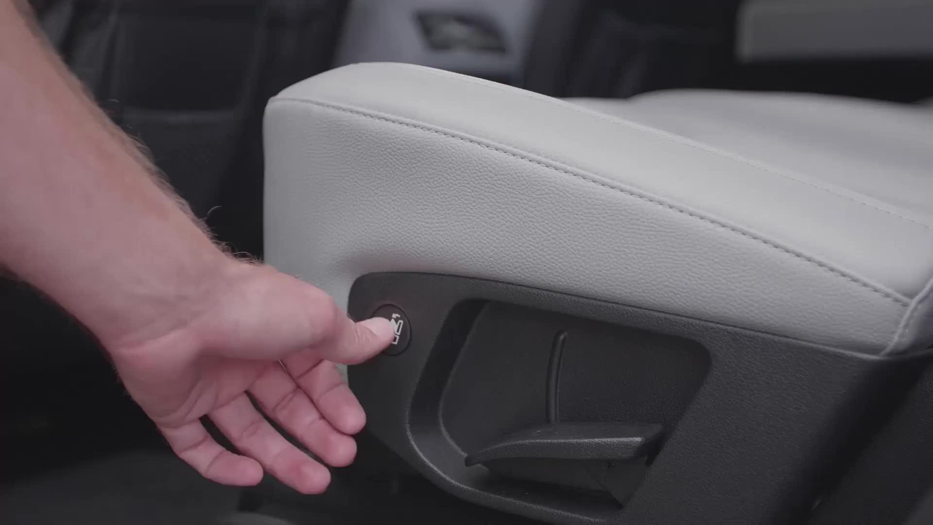 Nút bấm điều chỉnh hàng ghế 2 trên Hyundai Palisade