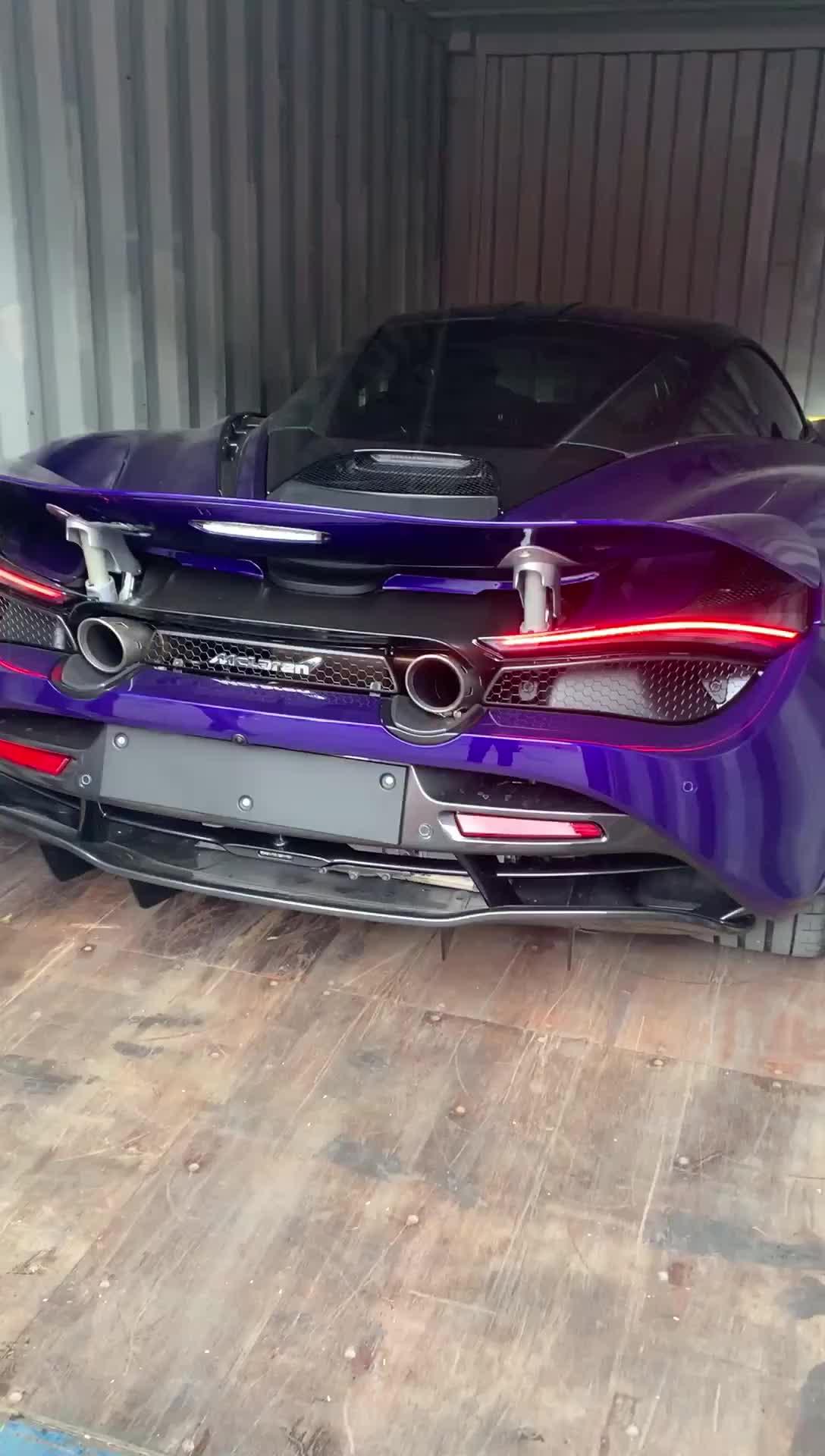 Nghe thử tiếng pô McLaren 720S màu tím có một không hai tại Việt Nam