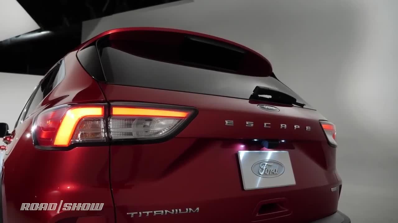 Trang bị nổi bật trên Ford Escape 2020