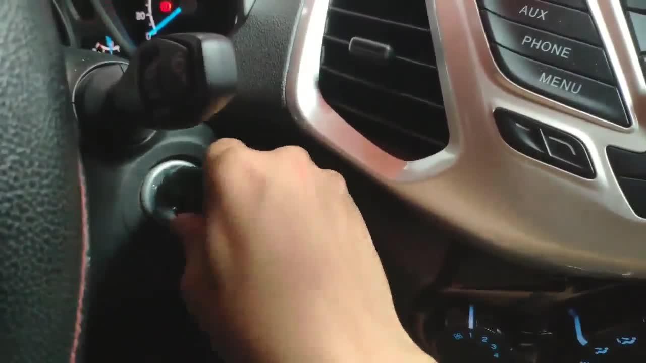 3 cách để trẻ em báo động cho người lớn khi bị bỏ quên trên ô tô