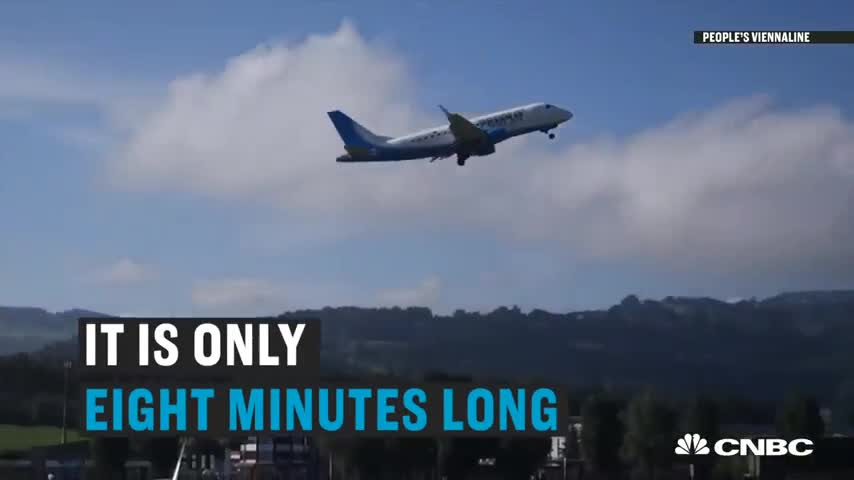 Đường bay quốc tế ngắn nhất thế giới chỉ dài 8 phút, vừa bước lên máy bay chưa kịp thắt dây an toàn đã hạ cánh