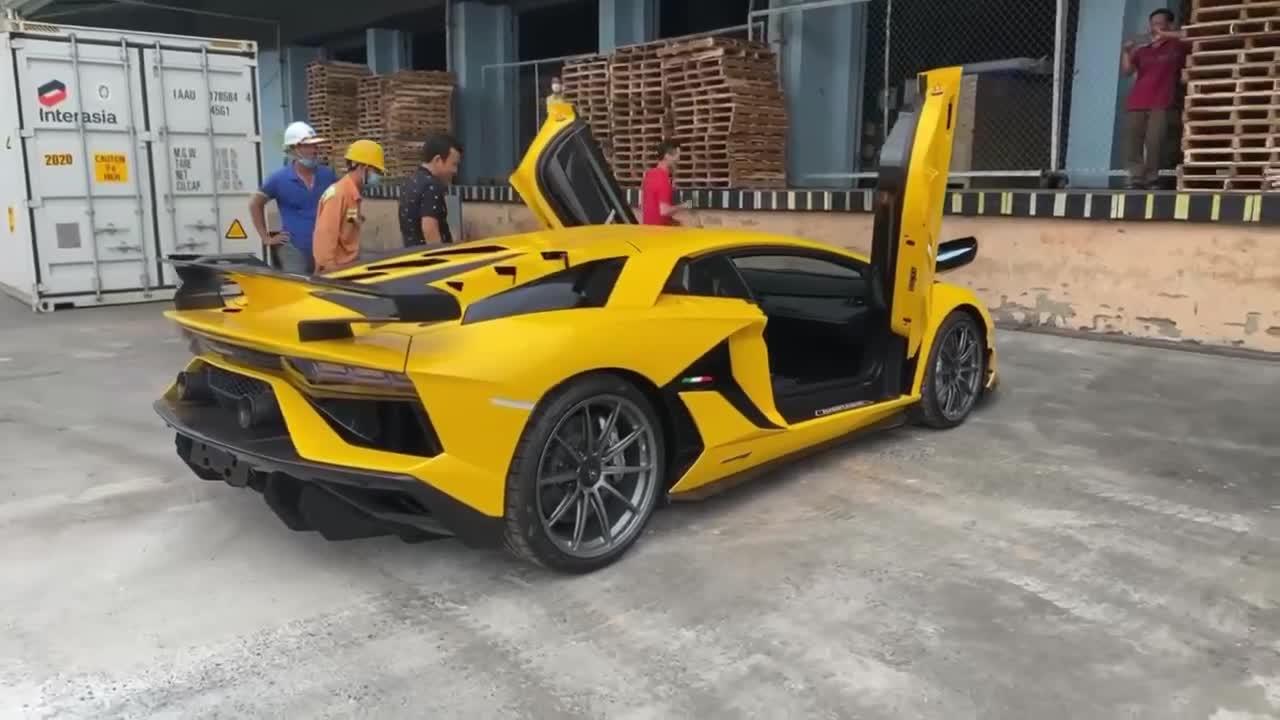 Lamborghini Aventador SVJ thứ hai xuất hiện tại TP. Đà Nẵng