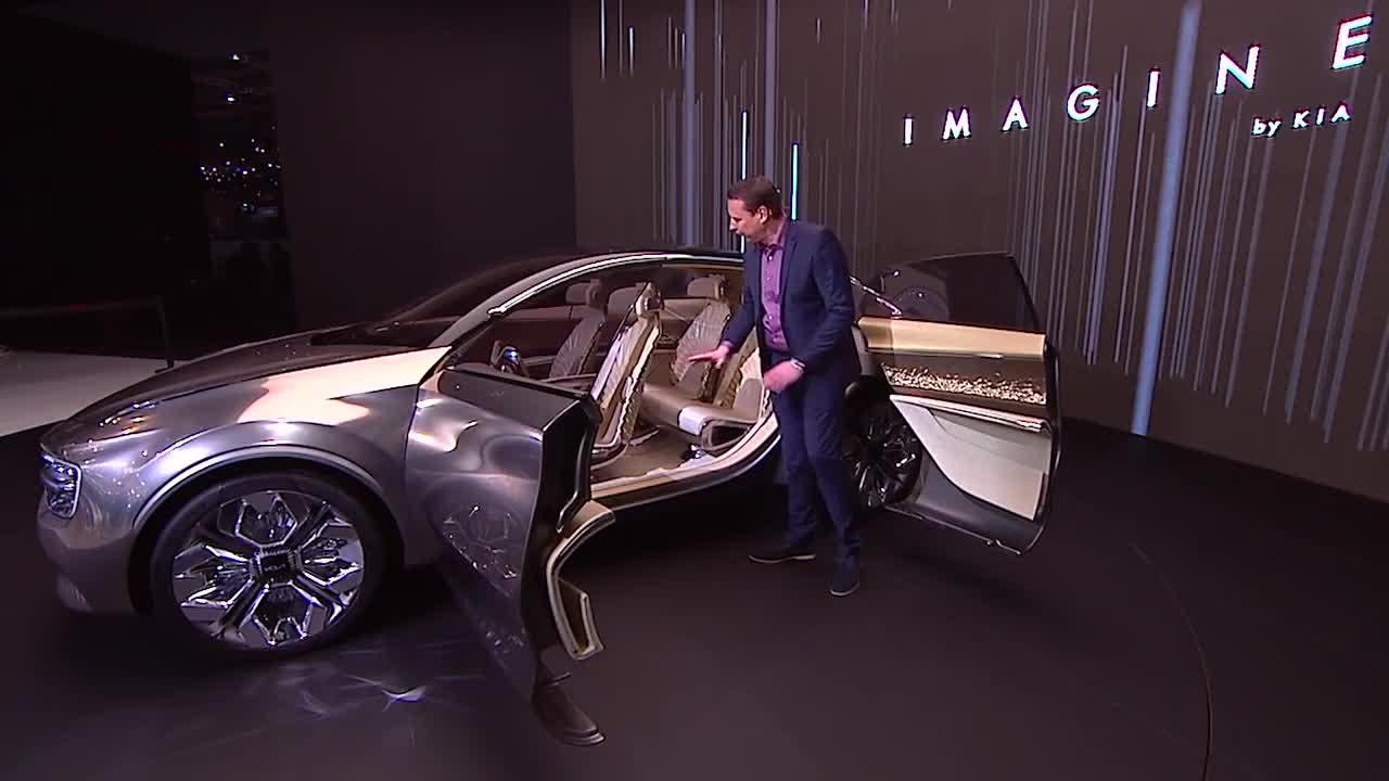 Kia Imagine Review ra mắt tháng 3 năm ngoái tại Geneva