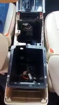 Thử nghiệm phanh tay điện tử trên Mitsubishi Xpander