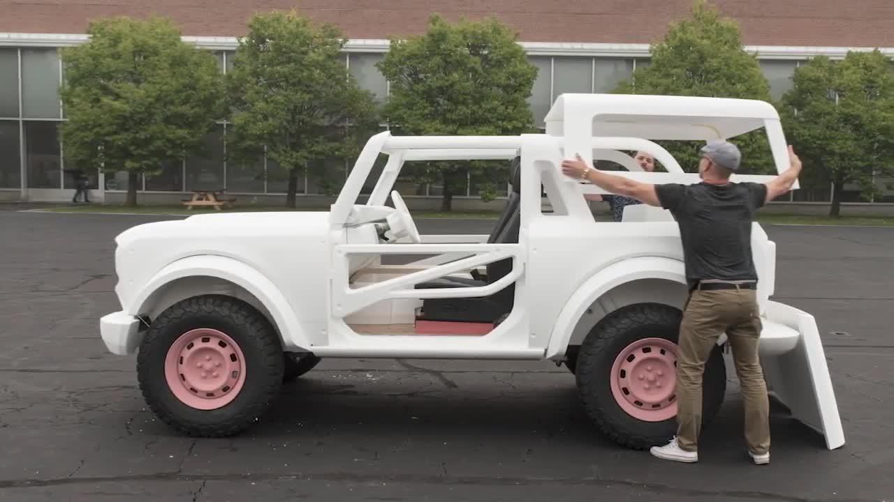 Lộ chi tiết cho thấy Ford Bronco sắp có phiên bản bán tải