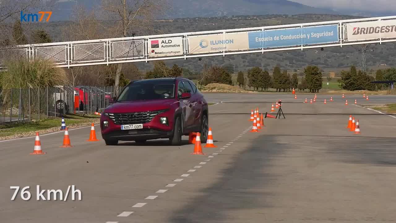 Hyundai Tucson thách thức bài test đánh lái