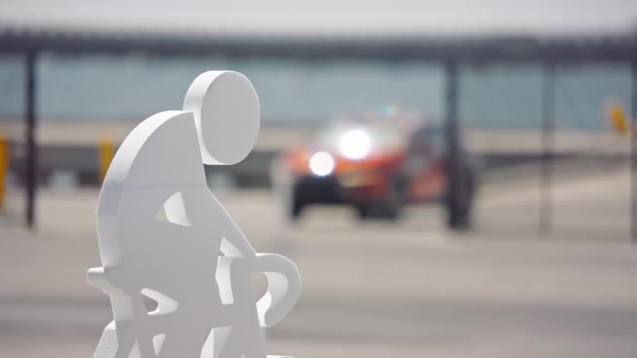 Lexus tổ chức buổi lái thử kỳ lạ khiến người tham gia 'đau tim'