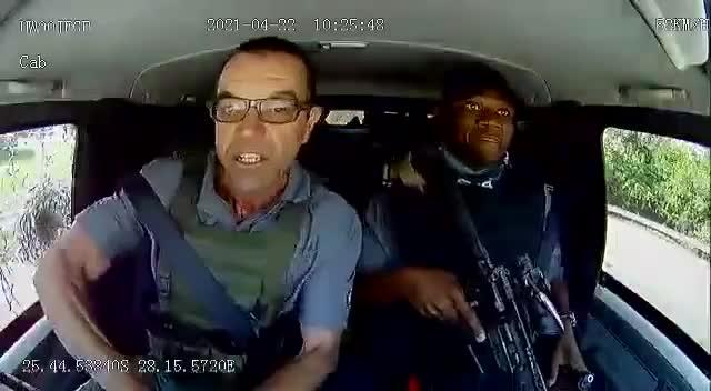 3 phút phía sau tay lái Toyota Land Cruiser chở tiền bị tấn công: Kịch tính như phim hành động