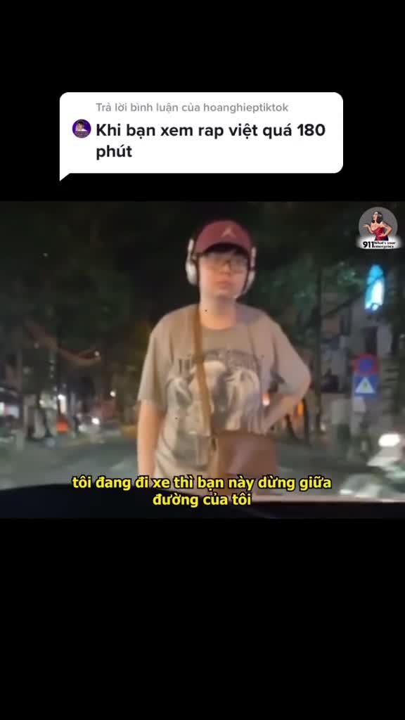Chặn xe giữa đường, thanh niên lập show rap dài hơn 180 phút trên đường phố Hà Nội