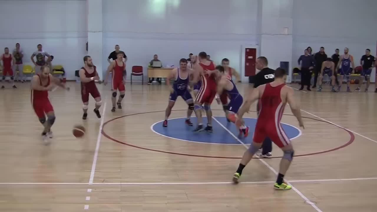 """Trận """"regball"""" diễn ra tại Nga thu sút sự chú ý của cộng đồng mạng"""