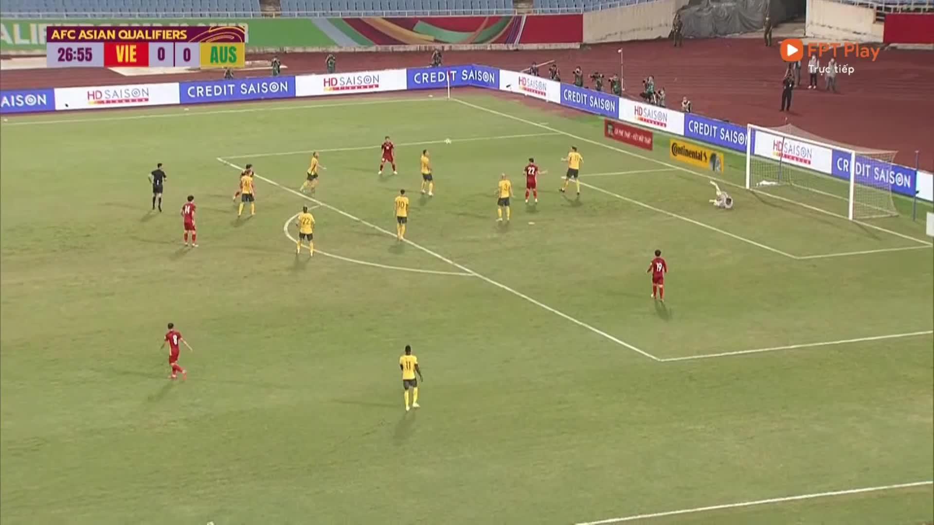 Tình huống trọng tài kiểm tra video, không cho Việt Nam hưởng penalty đầy tranh cãi