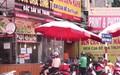 Hà Nội: Người dân xếp hàng dài để mua phở, bún chả khi được nới lỏng giãn cách