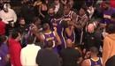 Sao Los Angeles Lakers cãi nhau trong trận đấu