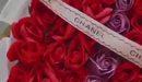 Bạn gái thủ môn Bùi Tiến Dũng khoe bó hoa rực rỡ trong ngày Quốc tế Phụ nữ. Rất có thể đây là bó hoa mà bạn trai tặng Dianka khi bên trong bó hoa là chữ D - viết tắt tên của thủ thành người Thanh Hóa.