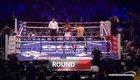 Anthony Joshua (quần trắng) đấm knock-out Emanuele Leo ngay hiệp đấu đầu tiên.