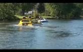 Xe lai thuyền Dobbertin HydroCar khoe khả năng lội nước