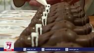 Độc đáo kẹo chocolate hình ông già Noel đeo khẩu trang