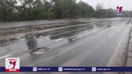Mặt đường Quốc lộ 1A qua Quảng Trị bị hư hỏng