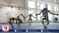 Ấn tượng với đội quân robot nhảy mừng Năm mới
