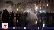 Cảnh sát Pháp mạnh tay giải tán người biểu tình